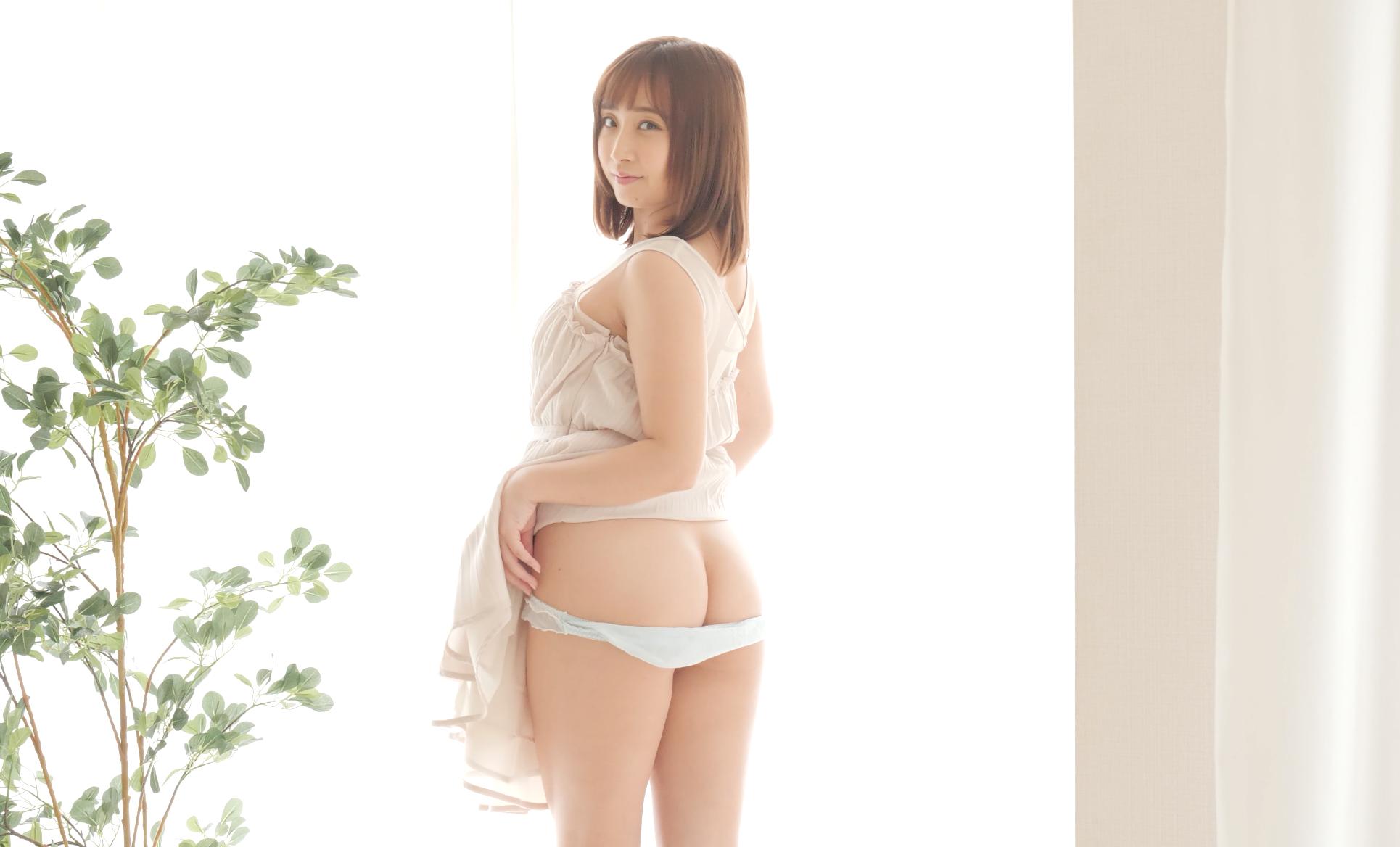 大人気女優きみと歩実ちゃんのエッチなヌードグラビア!